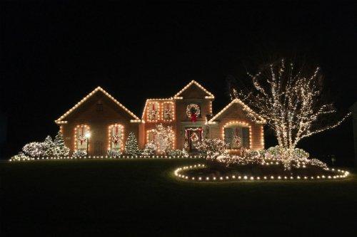 Christmas-Lights-Installation